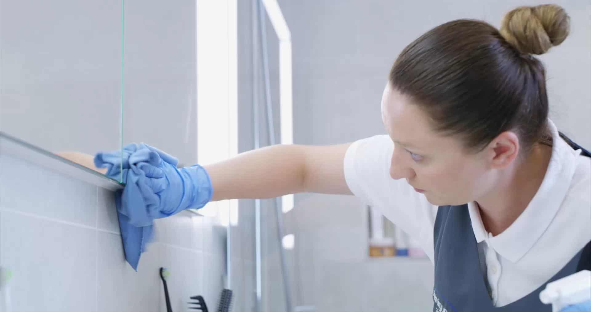 Putzfrauenagentur | Wohnungsreinigung oder Hausreinigung im Abo mit einer Putzfrau der reinigungsagentur.ch