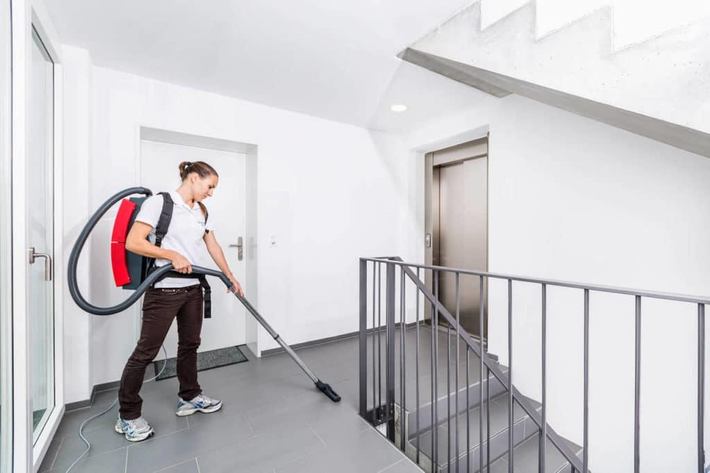 Unterhaltsreinigung im Abo mit Reinigungskraft | reinigungsagentur.ch